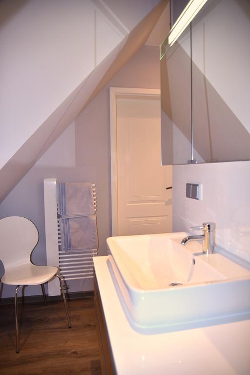 fewo k llner 4sterne ferienwohnung badezimmer. Black Bedroom Furniture Sets. Home Design Ideas